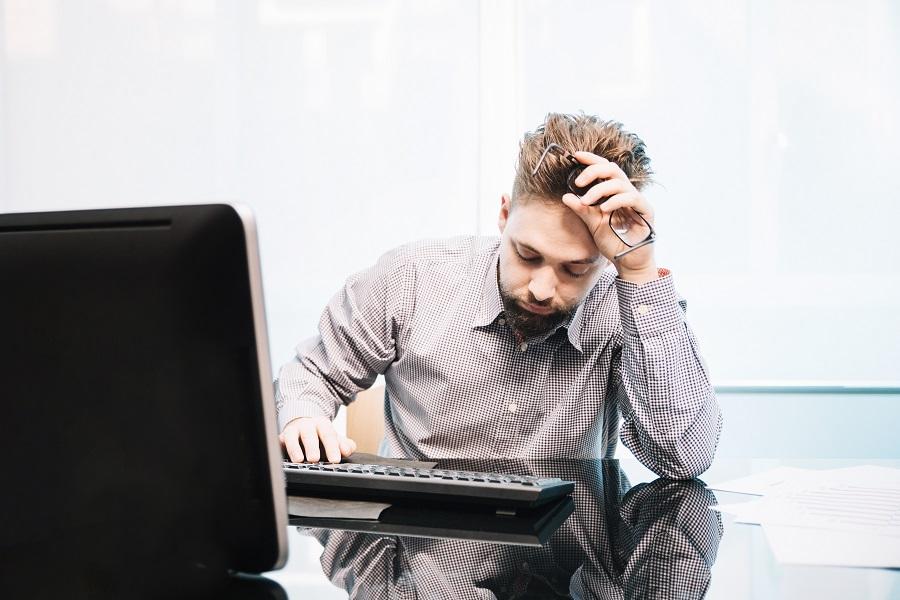 Simptomi suhog oka, dugotrajan rad za računalom