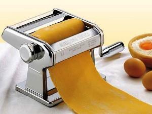 Mašina za izradu domaće paste