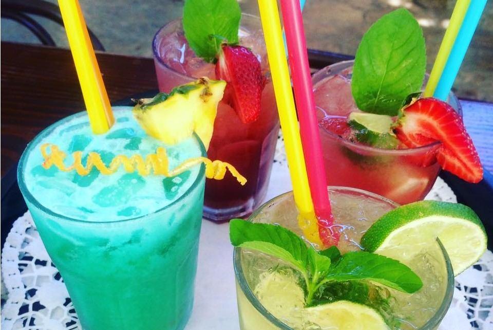 Posjetite COCKTAIL BAR na plaži u Vrsaru