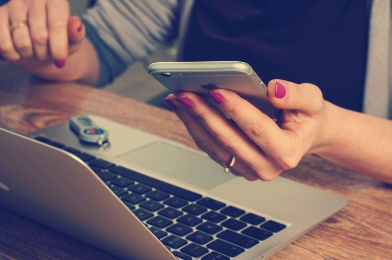 Internetsko druženje kako znati je li ti se tip sviđa