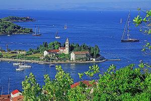 The Guardian spominje otok Vis kao neodoljivu turističku atrakciju