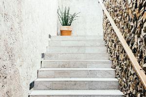Trebam ponudu za izradu stepenica