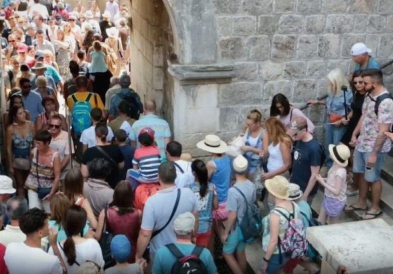 Muke po turizmu: Dubrovčanima smetaju velike gužve